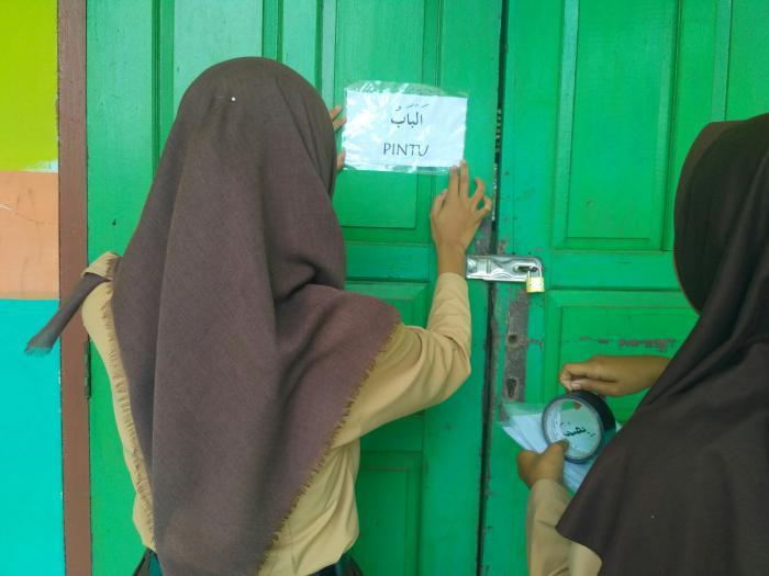 Guru Bidang Studi Bahasa Arab Ciptakan Arabic Area di MAN 1 Tanjung Jabung Timur.